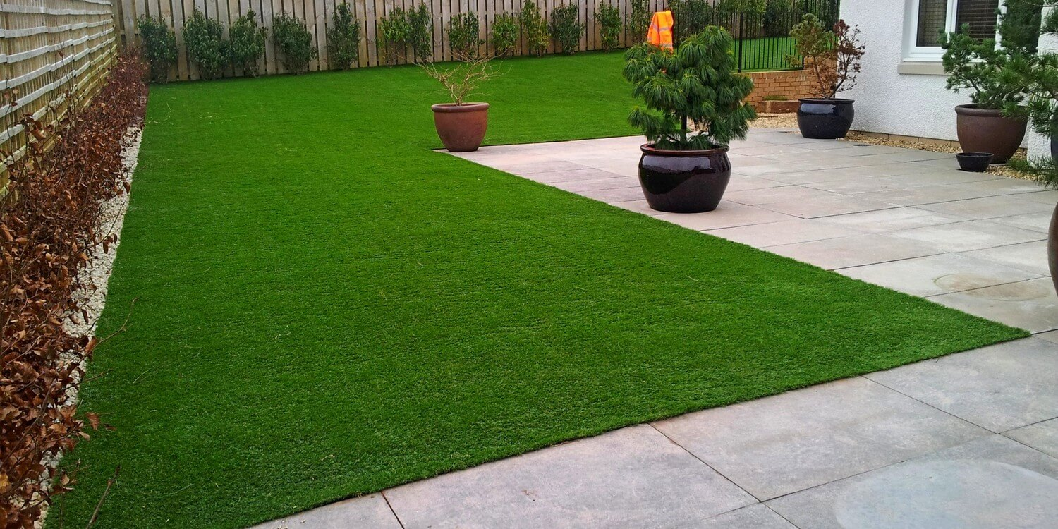 The Benefits of Having Artificial Grass During the Summer